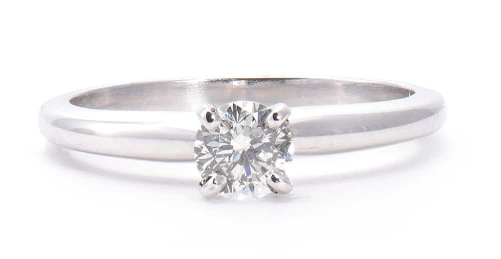 White Gold Solitaire Engagement Ring with Round Diamond