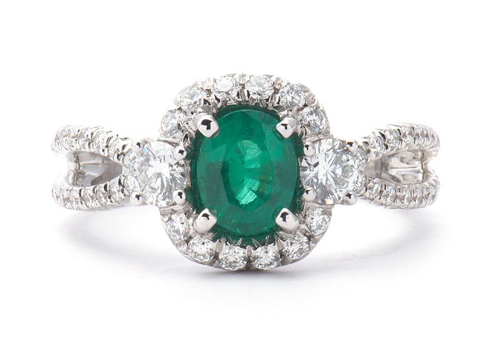18kt Fashion Ring w/ Oval Emerald Feature Stone and Diamonds
