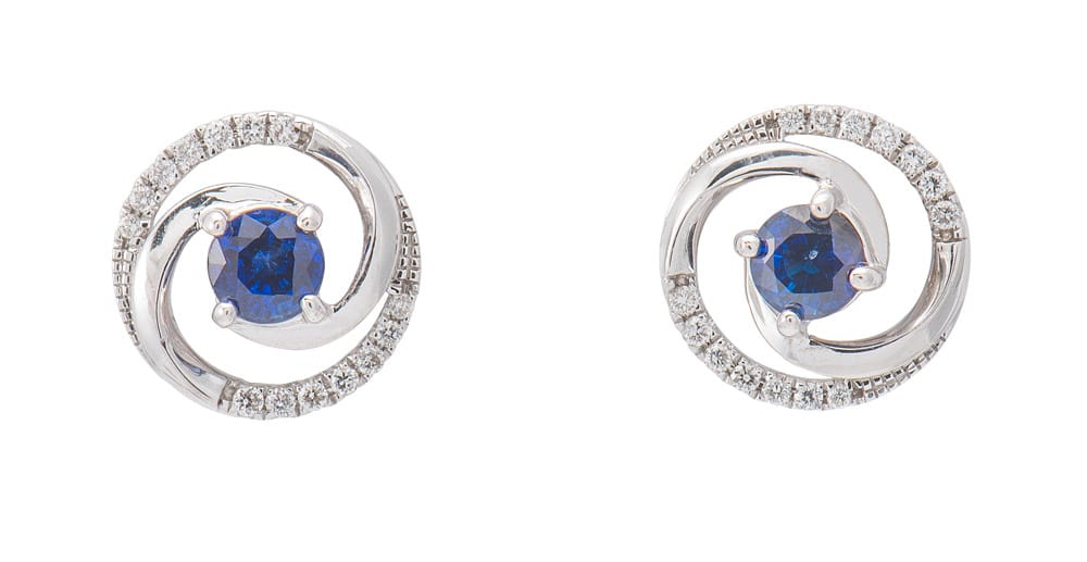 18kt White Gold Fashion Halo Earrings