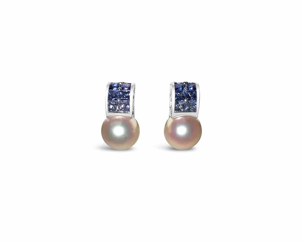 18kt White Gold Akoya Stud Pearl and Sapphire Earrings