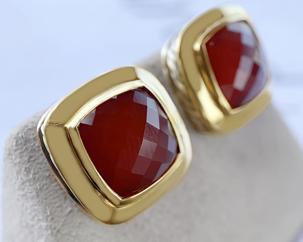 Yellow Gold Fashion Studs with Garnet Feature Stone