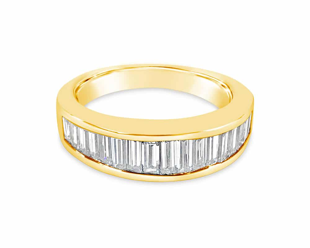 18kt Yellow Gold Fashion Ring with Baguette Shaped Diamonds