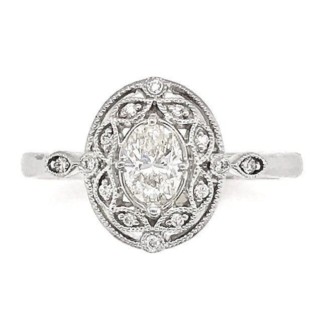 Oval white Gold Diamond  Ring