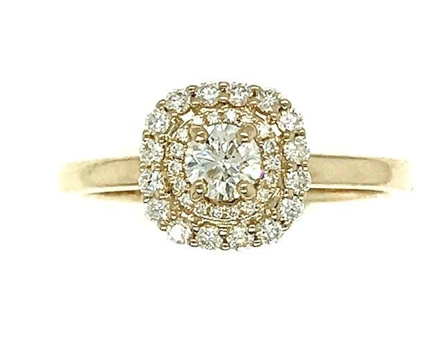 Round Cluster Yellow Gold Diamond  Ring